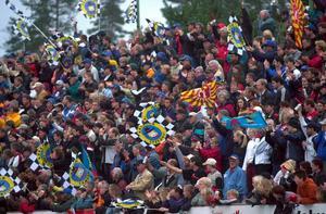 Publik efterlyses. Masarnas hemmapremiär mot Dackarna lockade endast 1600 åskådare. Det var långtifrån så trångt på läktaren som när den här bilden togs i samband med en match mot Rospiggarna 2001.