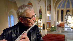 Björn J:son Lindh samarbetade med en lång rad andra svenska och internationella musiker och hans musik innefattade många olika stilar. Allt från kammarmusik, symfoniska verk, konserter för olika instrument och körer samt film- och TV-musik, som till exempel