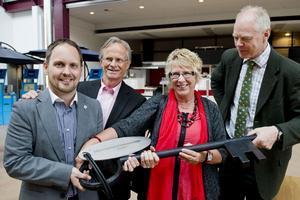 Jörgen Berglund, Sundsvalls kommunalråd, Dick Jansson, styrelseordförande för Midlanda flygplats, Ewa Lindstrand, Timrås kommunalråd och Björn Lyngfelt, styrelseledamot i Midlanda flygplats.