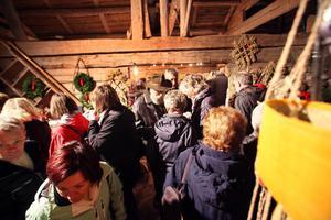 Byggnaderna på gården var fulla av utställare och besökare.