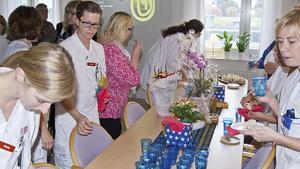 Ett 50-tal personer, både anställda och inbjudna, deltog i dagens invigning av den nya överviktsenheten.