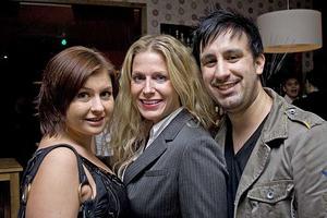 Tabazco. Julia, Sharon och Joel.