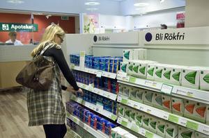 Tillgängligheten till apotek i Sverige har ökat med 356 apotek, eller 39 procent, konstaterar artikelförfattarna, som tycker att det finns mer utvecklingspotential att ta sikte på vad gäller apoteken.