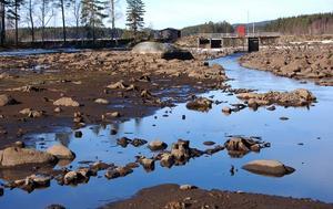 Lågt vattenstånd. Vattenståndet i såväl Lövsjön som Gräsådammen är lågt för att underlätta de kommande arbetena.