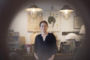 Haide är uppväxt i Östersund och driver idag inredningsbutiken Omistliga ting.