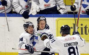 Julius Persson (i mitten) blev matchvinnare när BIK slog SSK i november. Foto: Mats Andersson