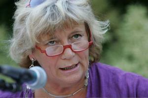 Margareta Winberg, 61 år, Östersund:– Ja det är klart. Jag har redan förhandsröstat, på socialdemokraterna. Jag har kryssat Anna Hedh. Det gjorde jag förra gången också. Då stod hon på 31:a plats, var förstanamn på baksidan, och kryssades in. Hon är en kritisk EU-röst i Bryssel, det passar mig.