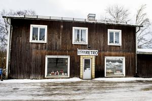 Kamilla har precis öppnat butiken Stöde retro, antikt och loppis.