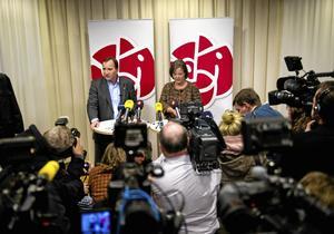 Inte så yvig. Nej Stefan Löfven är inte lika yvig som Håkan Juholt. Han sade i stort sett ingenting vid torsdagens presskonferens. Foto: Jens L´Estrade/Scanpix