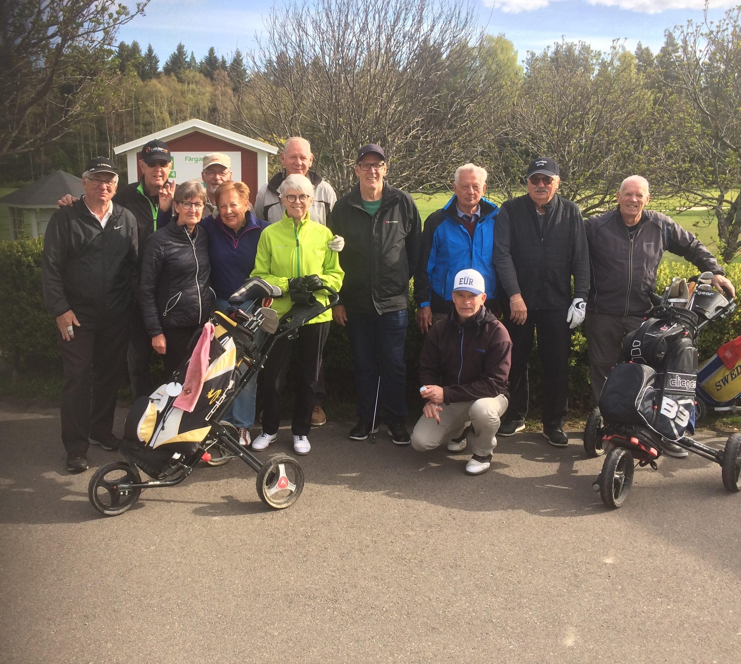 LÄSARTEXT: Bowlarna har flyttar ut till golfbanan