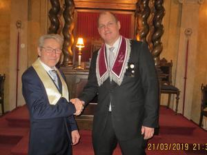 Broder nyinvigd Sören Genberg och övermästare Magnus Viklund. Foto: Karl-Erik Norin