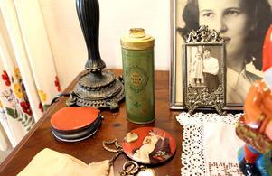 Förr hade alla damer det parfymerade pudret Tosca Talc 4711.