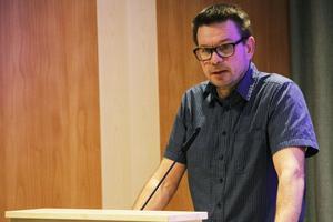 Arbetsmarknads- och socialnämndens ordförande, Ove Schönning (S), är övertygad om att hans nämnd är på väg åt rätt håll.