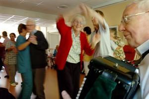 Dans eller finsk husmanskost? Låt de äldre få, och få välja. Photo: Annette Friberg/SCANPIX/TT