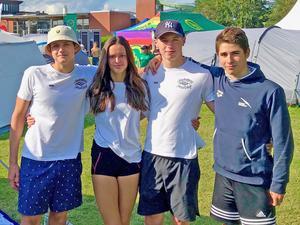 Henry Plavans, Veronika Hiram, Mattias Kvist och Michael Andreé imponerade i ungdoms-SM i simning. Foto: Privat