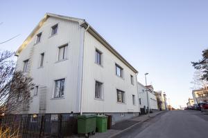 Åsgatan 5 förvärvades i november 2019 och består av ett hus och ett gårdshus.