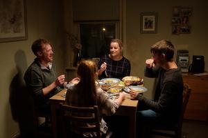 Kris Hitchen, Debbie Honeywood, Rhys Stone och Katie Proctor spelar familjen i Ken Loachs nya film