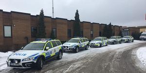 Polishuset i Hallstahammar i samband med onsdagens trafikinsats. Foto: Polisen