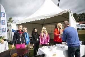 På hugget som vanligt för att berätta om sitt breda utbud på Österåsen var Ninni Engblom, Robert Hollsten, Gabriella Drömer, Linda Tåqvist och Erika Nilsson.