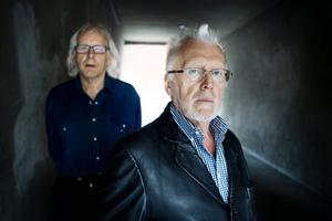 Karl-Erik Irina Nilsen och Pell Uno Larsson från RFSL är inget annat än upprörda över domen mot 61-åringen. Hade det varit en biologisk kvinna som blev utsatt för brottet hade rubriceringen varit våldtäktsförsök, menar de. (Läs mer i länken.)