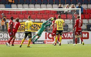 Aly Keita spelade stabilt under de sex matcher han stod innan han drog på sig en fotskada. Bild: Per Danielsson/TT.