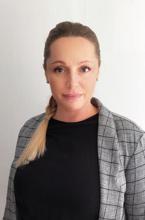 Linda Walkeby (S) bor i Nynäshamn och studerar kriminologi. Hon har tidigare varit ordförande för kommunens kultur- och fritidsnämnd. Foto: Privat