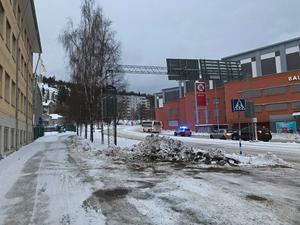 En av bussarna på tvåans linje stod still på Tivolivägen vid NP3 Arena vid 09.30-tiden på onsdagen.
