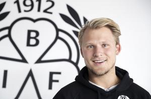 Kristian Nervik Nilsen gillar att vara ute och prata värderingar och hur man ska vara som kompis i skolorna.
