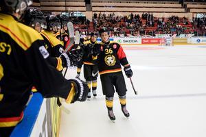 Linus Ölund har avgjort matchen för Brynäs. Foto: Simon Hastegård / BILDBYRÅN
