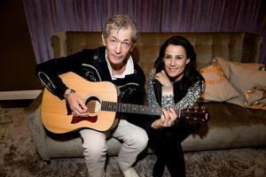 Doug slog igenom i Jill Johnsons program Jills veranda, och de båda har även gjort countryalbumet