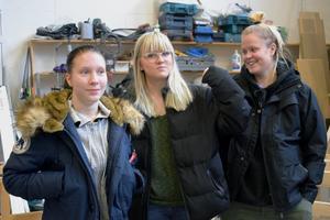 Louise Lindqvist, Elin Hellström och Elsa Jansson Hollstedt går alla första året på Praktiska gymnasiets bygg- och anläggningsprogram.