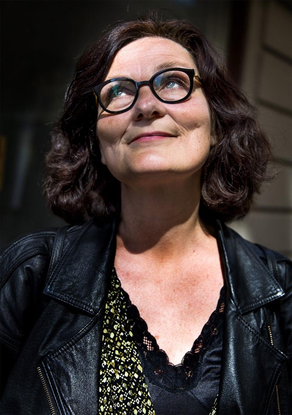 Giganten lotass tar plats i svenska akademien