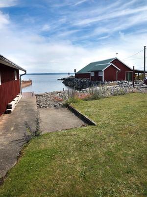Utvalnäs är ett gammalt fiskeläge och det var också fiskare som bodde här från början.