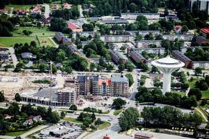 Trots bostadsbristen har Örebro lyckats få fram lägenheter till nyanlända. (Arkivfoto)