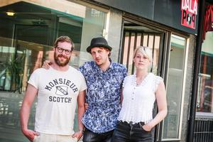 Daniel Olsson, Pelle Andersson och Therese Enström jobbar på Dalapop som verkar för att skapa utrymme och plattformar för dalaartister.