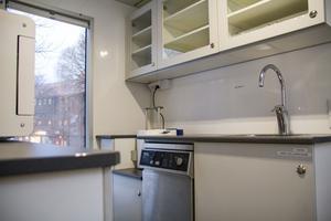 I trailern finns det även ett rum för rengöring av verktyg som används i verksamheten.