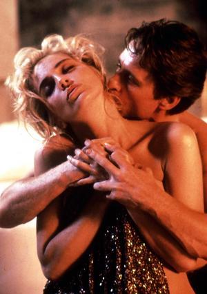 Sharon Stone och Michael Douglas spelade huvudrollerna i Paul Verhoevens banbrytande erotiska thriller
