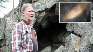 Urbergsgrottan 175 meter över havet kan ha varit tillflykt när ryssen härjade i Härnösand 1721. Även grottmålningar har hittats i den. Arkeologen Bernt Ove Viklund tänker analysera vidare.