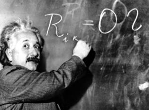 Vem förstår det som den berömde fysikern Albert Einstein skriver på griffeltavlan? Förlusten av naturvetenskapligt tänkande hotar demokratin, skriver författaren och fysikdocenten Kjell Åke Prytz. Foto: AP