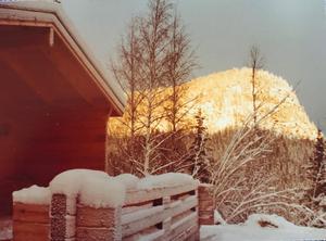 Med denna utsikt i Hammarstrand tillbringade Marcus Allbäck flera av sina semestrar som ung. Bild: Privat.