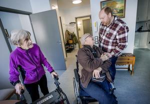 Ruth och Arne Pettersson var de första som flyttade in i nya vård- och omsorgsboendet Karlslundsgården. De bor i en tvåa på nedre plan.