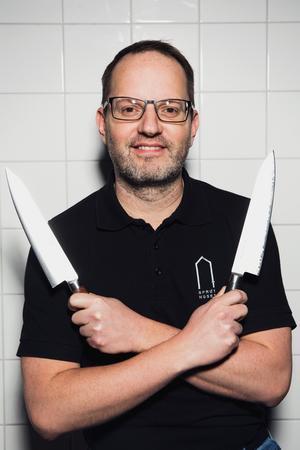 Ted Stöffling gillar sina vassa knivar men måste han välj ett bästa köksredskap så blir det munnen.