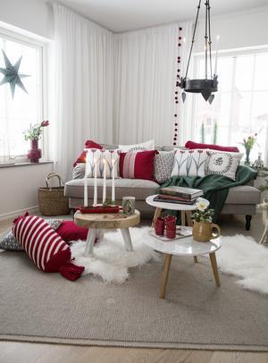 Köp åtta kuddöverdrag, inte ett! Och ha ett udda antal kuddar i soffan, tre eller fem, tipsar Vicki Pettersson.