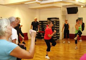 Clary Sundin har kört med gympagänget i flera år och hon tycker det är ett utmärkt sätt att hålla formen samtidigt som det är en trevlig gemenskap.