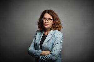 Malin Gabrielsson (KD), Region Västmanland kräver tillsammans med andra kristdemokrater att krisstödet till företag ska betalas ut snarast.