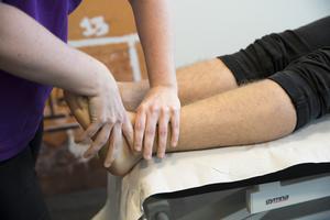En arbetsterapeut kan ge hjälp med mycket mer än fysisk rehabilitering. Foto: Terje Bendiksby/TT