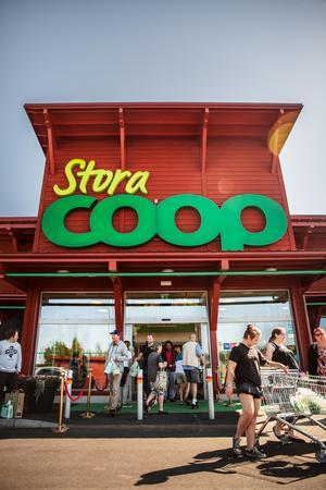 Nya Stora Coop i Falun öppnade i maj 2018 och ska vända dagens förluster till vinst 2020.