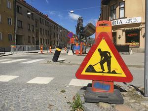 Örebro kommun är sällsynt skicklig på att sabotera för företagare med gatuarbeten som redskap.