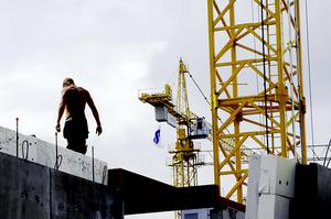 Byggbranschen har krav på sig att förebygga fallolyckor.