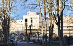 Höglandssjukhusets nya miljardbygge är i det närmaste färdigt. En förutsättning för att det ska komma till användning som det är tänkt är att regionpolitikerna står fast vid sin inställning att samtliga sjukhus i länet ska bevaras. I en insändare ifrågasätts nu om Bevara akutsjukhusen verkligen hör till de partier som vill satsa fullt ut på akutsjukvården på Höglandet.